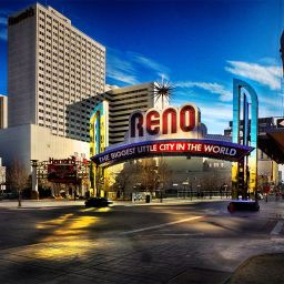 Image of the Reno arch looking south on a blue-sky day.